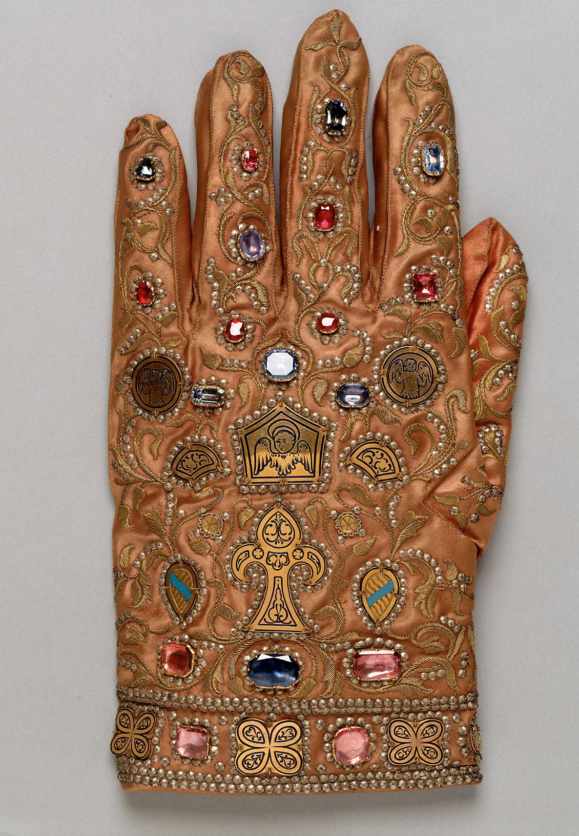 Die Handschuhe des Ornats Kaiser Franz I. Stephan von Lothringen (Barockkopien nach den Gewändern des Krönungsornates des Heiligen Römischen Reiches)