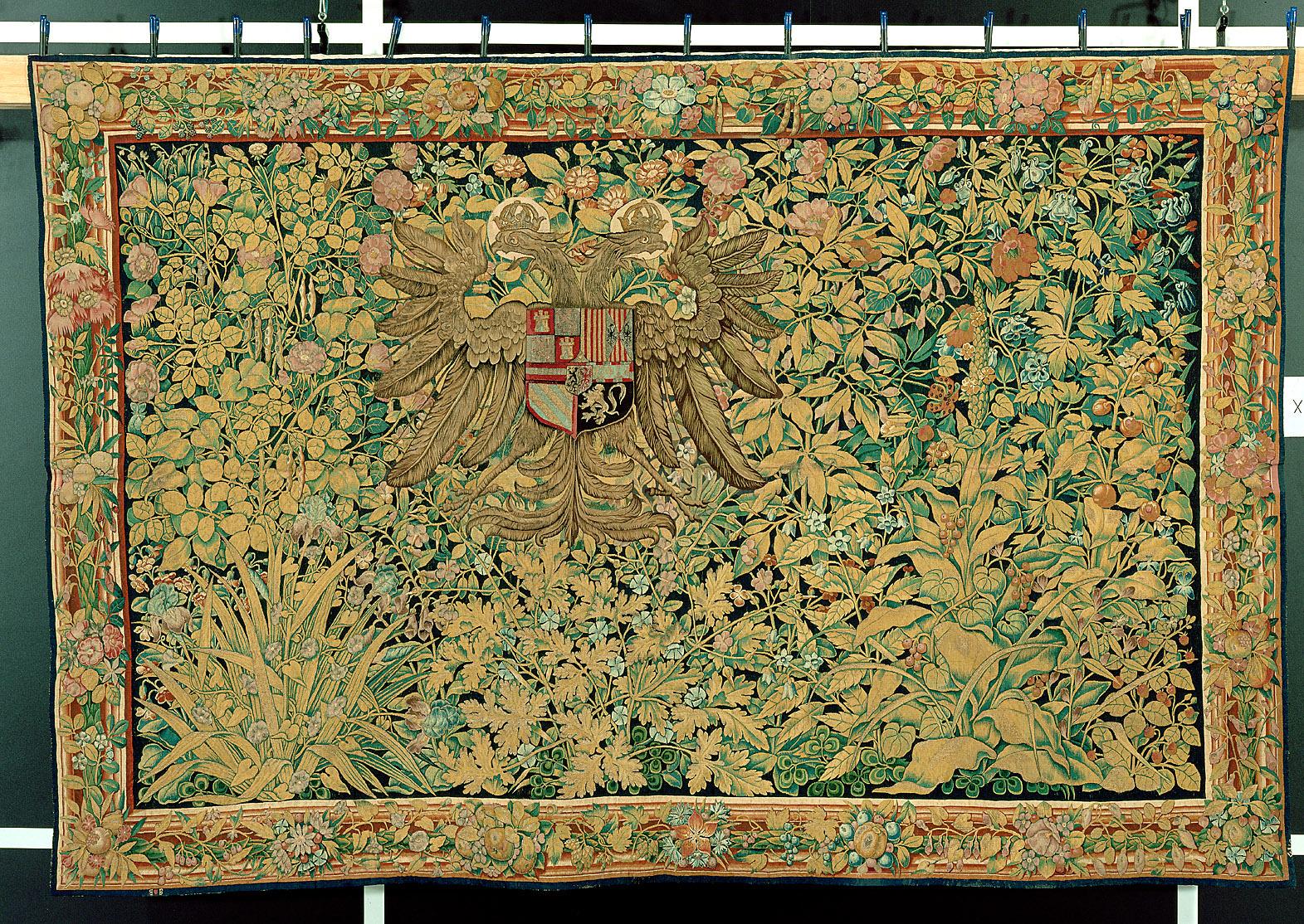 Der gekrönte kaiserlich römische Doppeladler in einer Verdüre