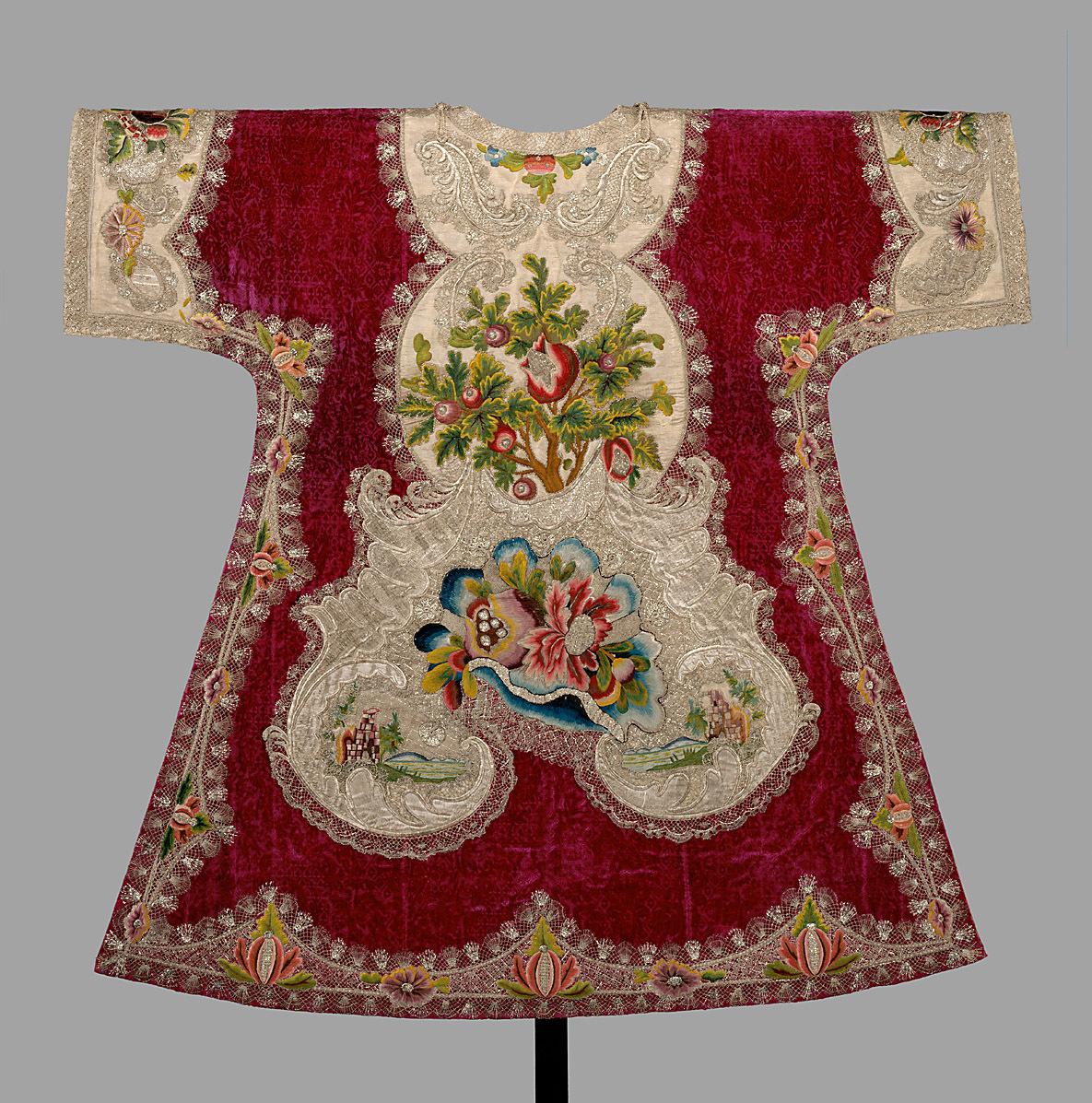 Dalmatika des Rotsamtenen Ornates