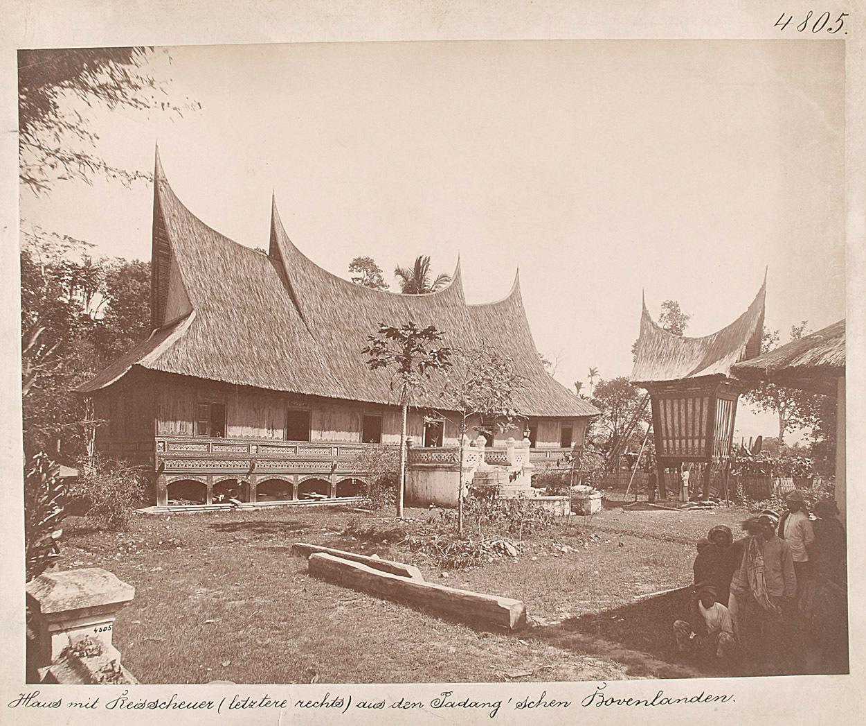 """Haus mit Reisscheuer (letztere rechts) aus dem Padang'schen Bovenlanden"" von Nieuwenhuis, Christiaan Benjamin"