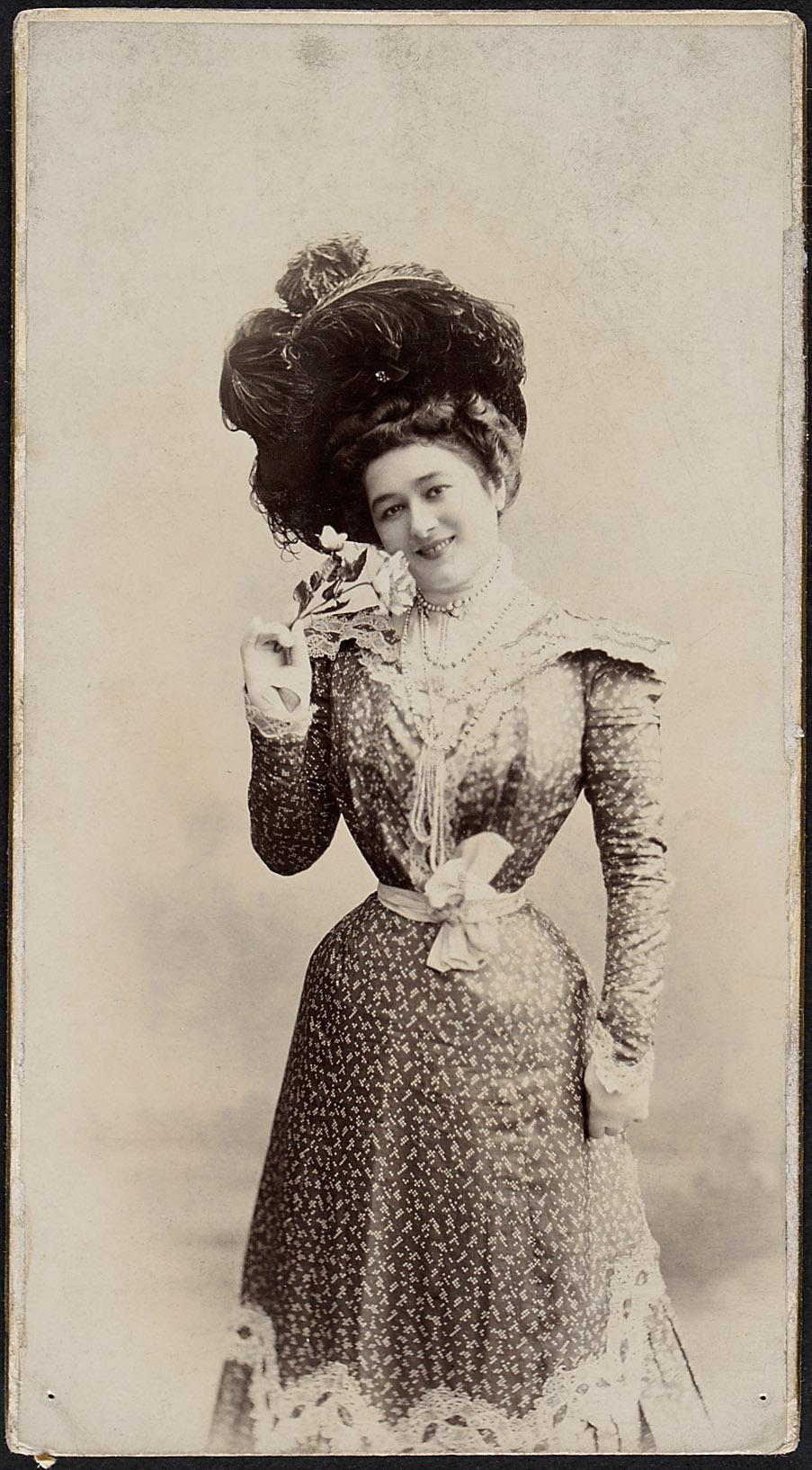 Frau Juniori von Carl Pietzner