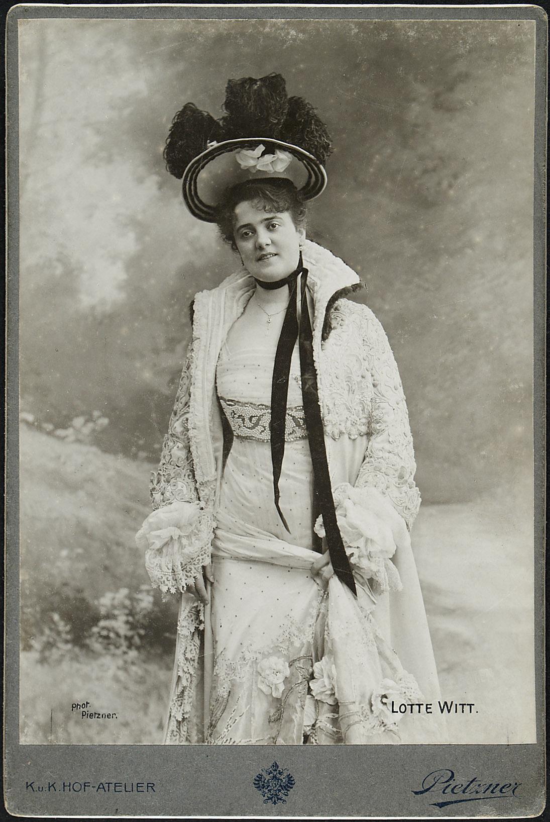 Lotte Witt von Carl Pietzner