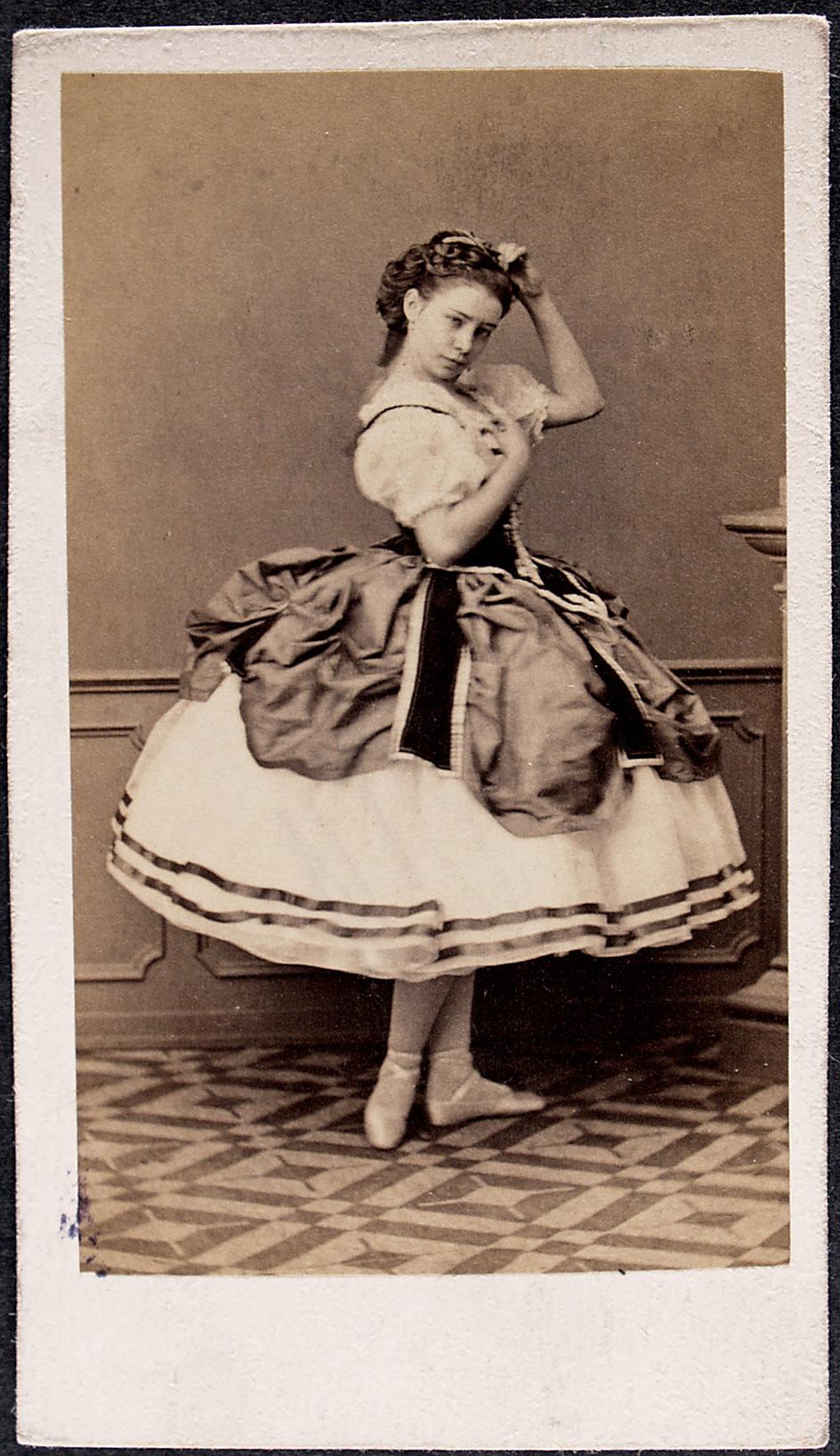 Hedwig Schläger von Kunsthandlung August & Victor Angerer, gegr. 1868