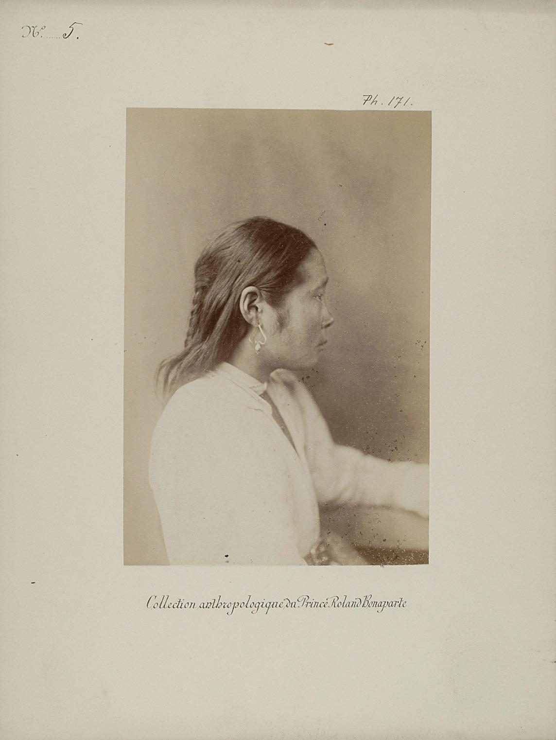 Kiski, junges Kalmükisches Mädchen. Profilansicht von Prinz Roland Napoléon Bonaparte