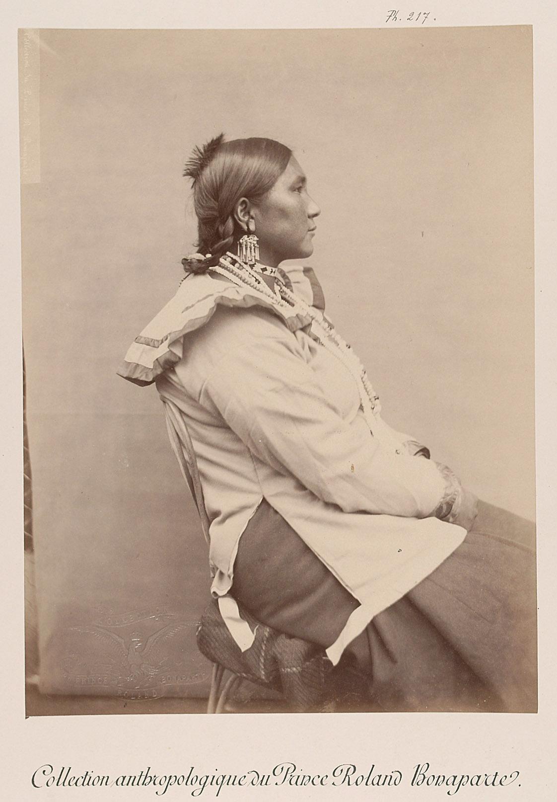 White Cow - Tessah-vih, Frau, Profilansicht von Prinz Roland Napoléon Bonaparte