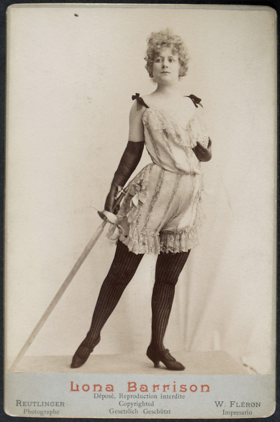 Lona Barrison von Reutlinger, Paris
