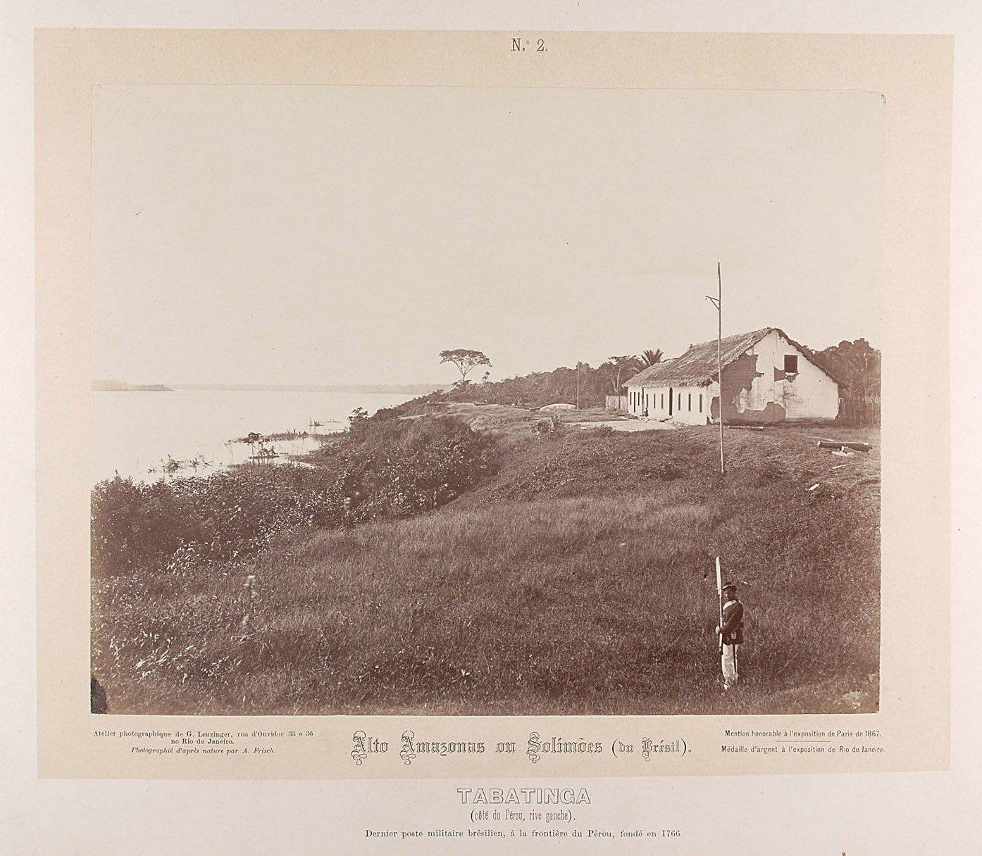 Tabatinga (coté du Pérou, rive gauche). Dernier poste militaire brésilien, à la frontiere du Pérou, fondé en 1766 von Albert Frisch