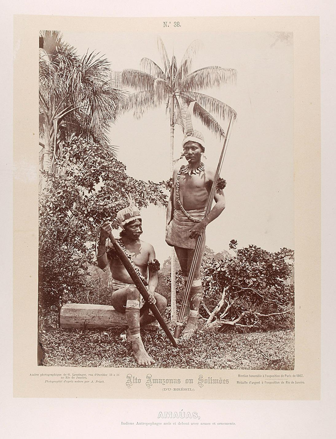 Zwei Indianer mit Schwertkeule und Speeren von Albert Frisch