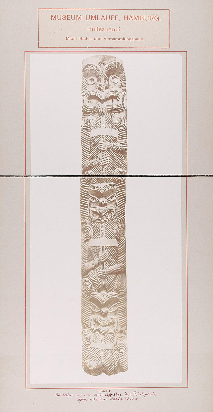 Museum Umlauff, Hamburg. Huiteananui, Maori Raths- und Versammlungshaus: Tafel 11. Poutahu, innerer Mittelpfeiler der Rückwand, Höhe 405 cm, Breite 80 cm von anonym