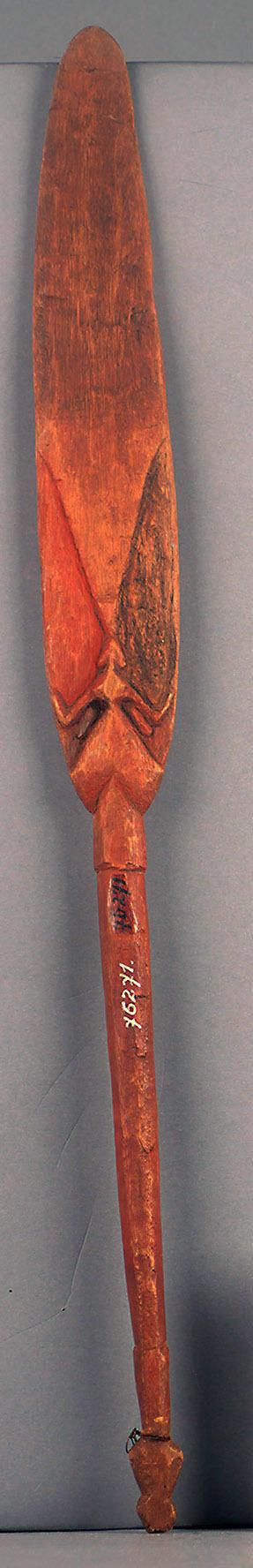 Holzspatel mit Libellenmotiv