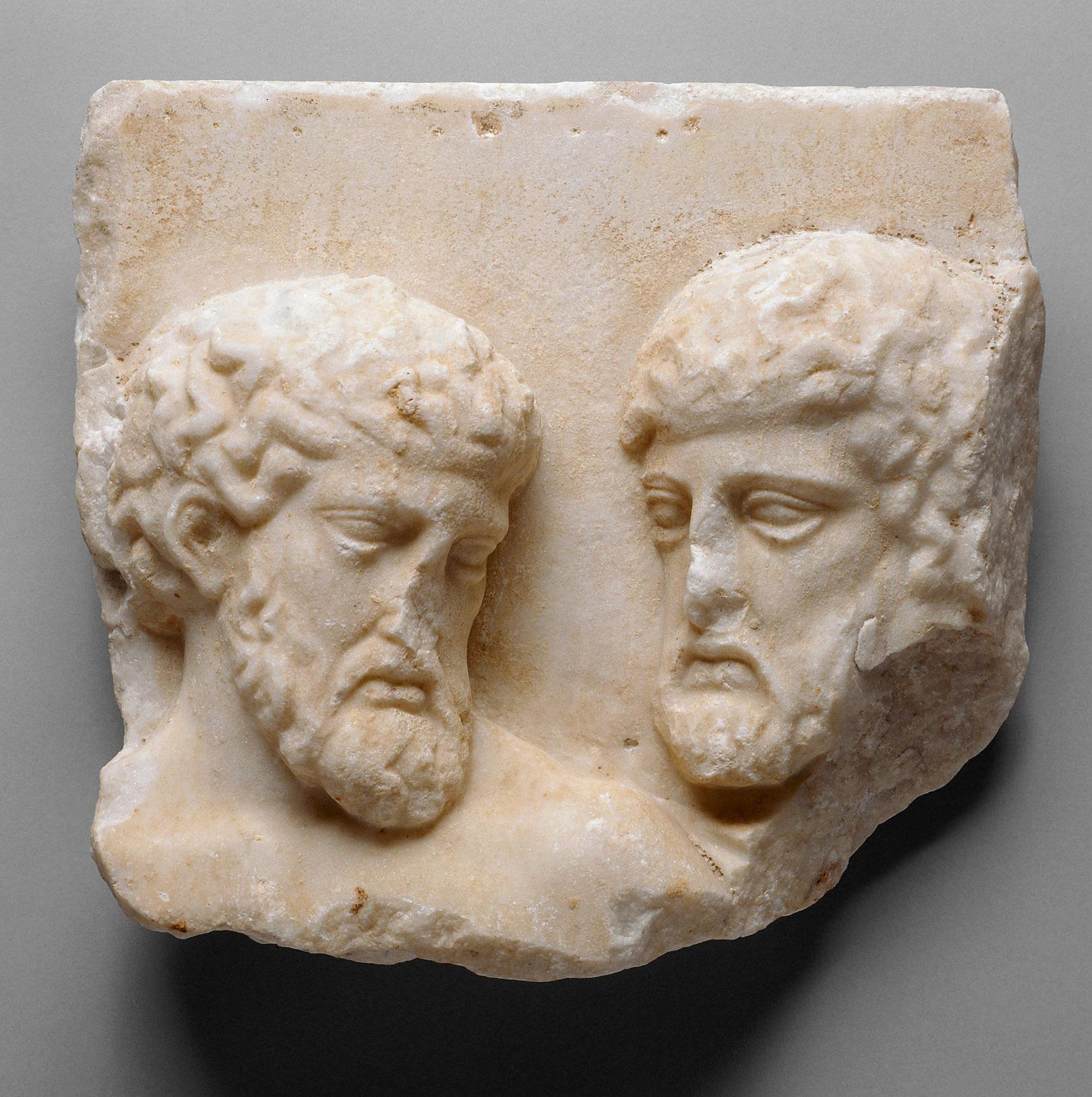 Fragment vom Nordfries des Parthenon, Alte Männer
