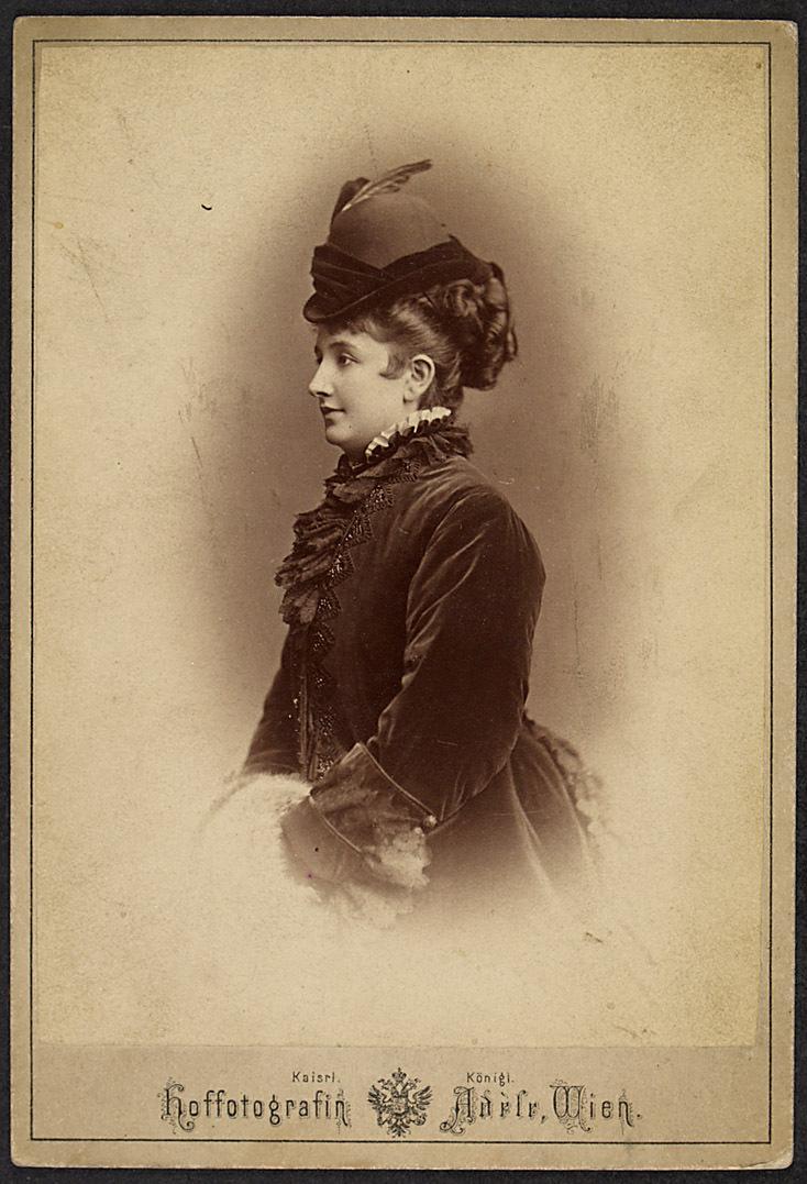 Antonie Link von Adele K.u.K Hof-Atelier, Wien