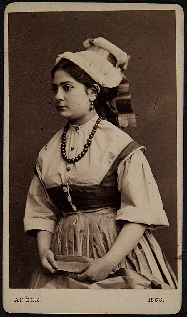 Elise Bach
