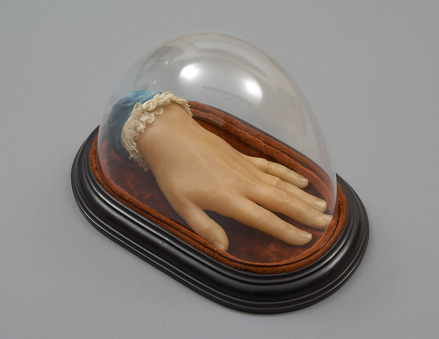 Abguss der linken Hand von Pauline Lucca