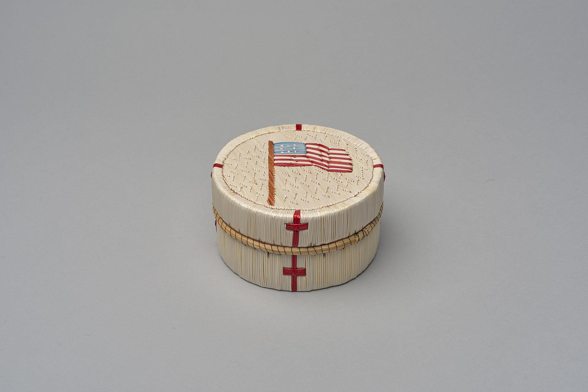 Dose mit USA-Fahne von Maime Migwans