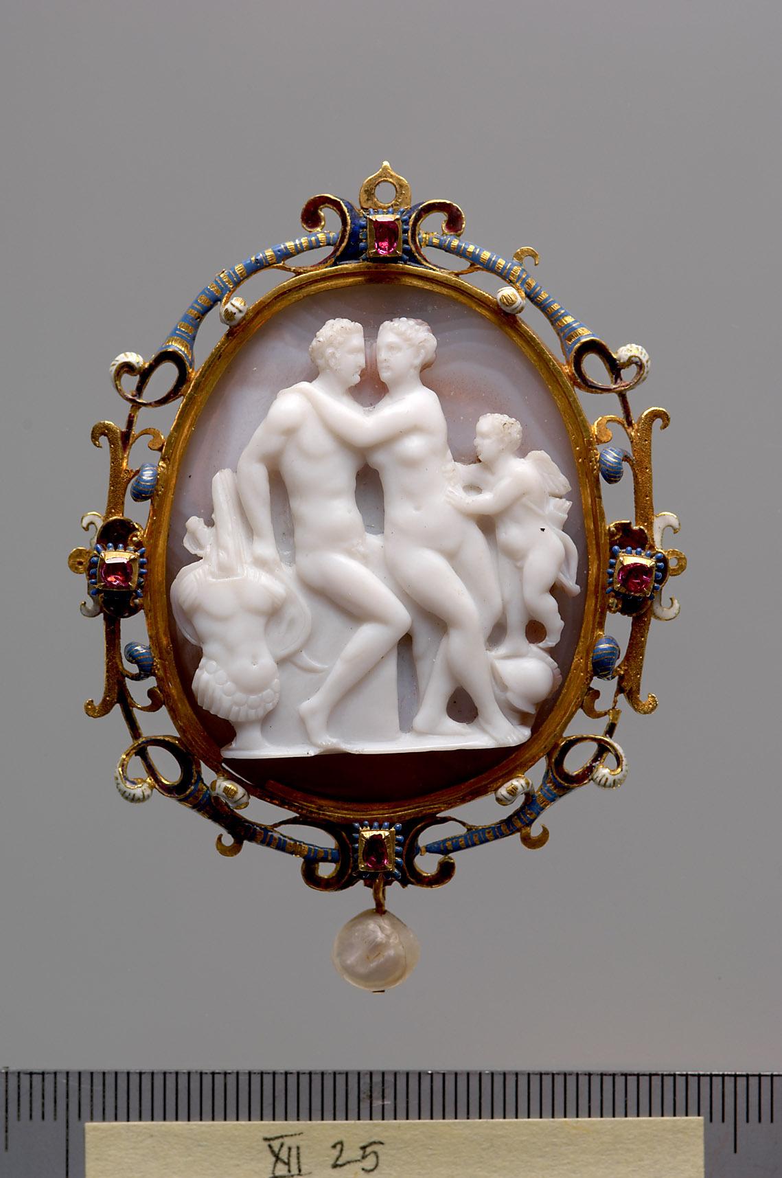 Mars und Venus mit Amor von Giovanni Bernardi da Castel Bolognese