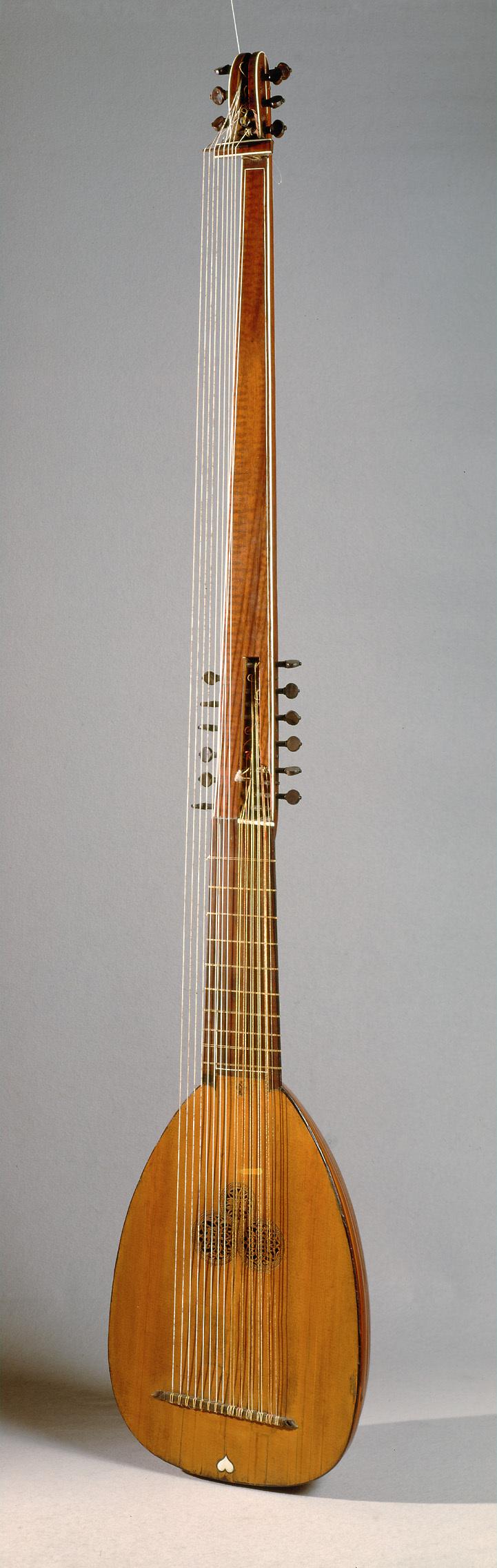 Chitarrone von Magnus Tiefenbrucker