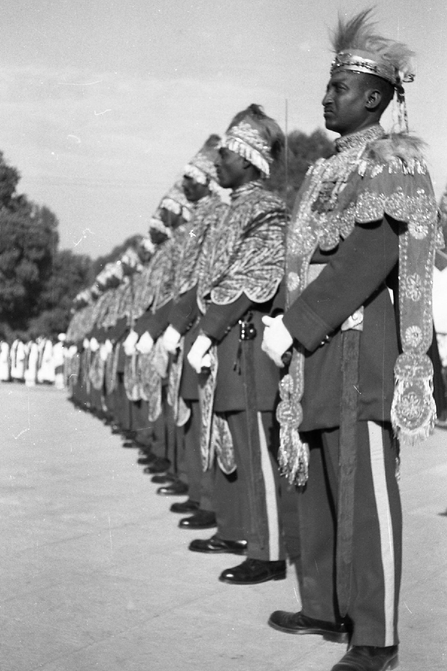 Die kaiserliche Garde während des Silberjubiläums von Otto Bieber 1906 - 1988