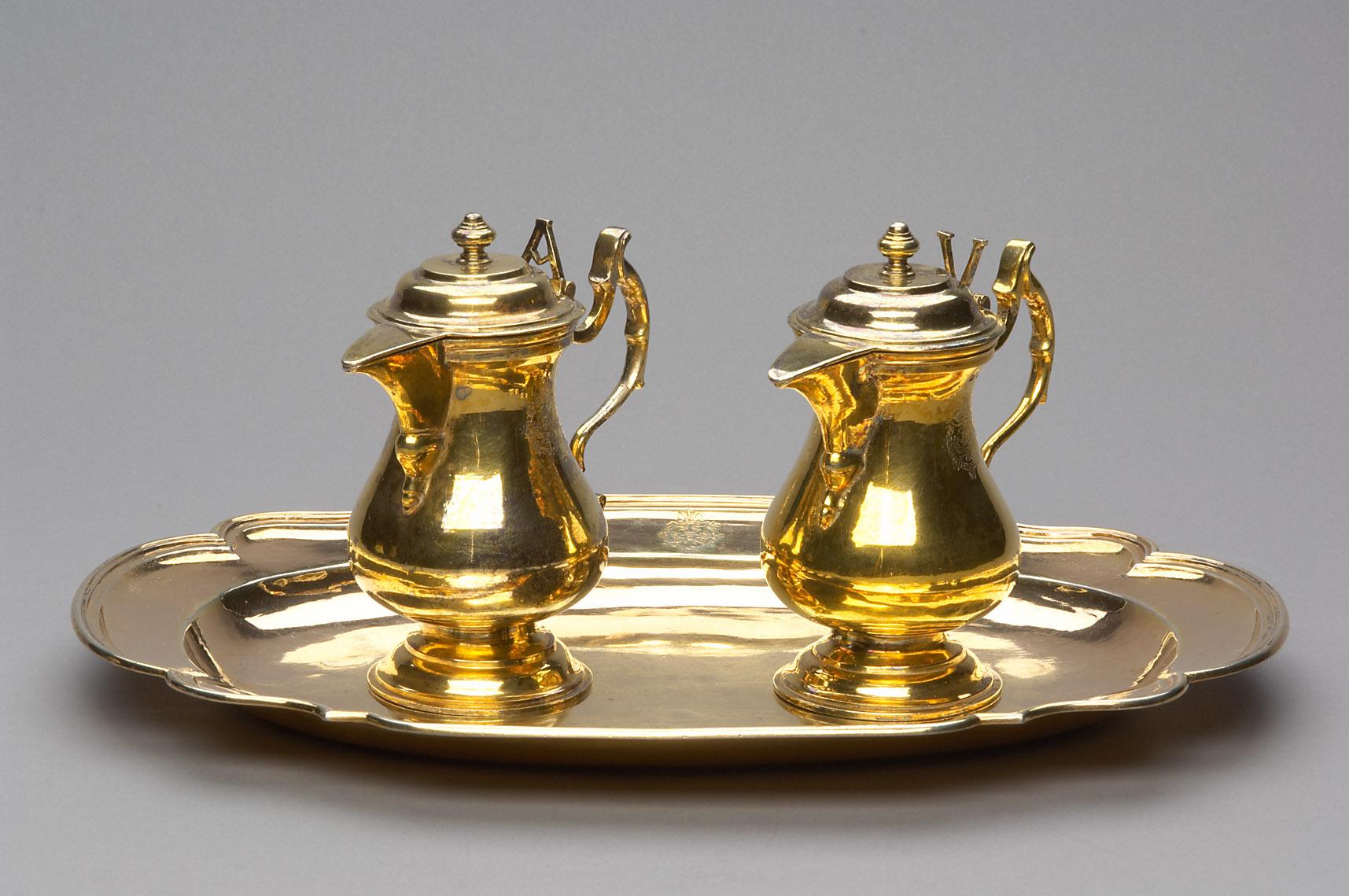 Zwei Meßkännchen mit Tasse von Andreas Joseph Rath